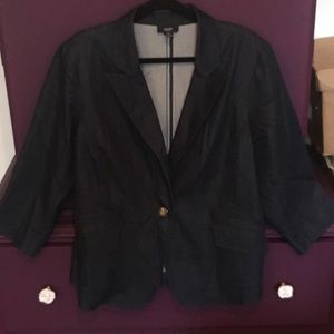 Blazer/Jacket with cropped sleeves